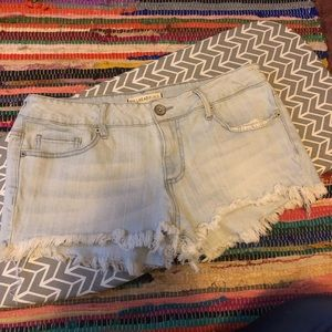 Bullhead shorts light wash flayed hem pacsun